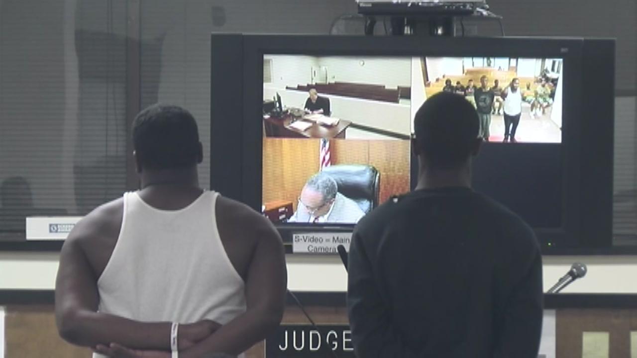 Gang shootout - PC Court image