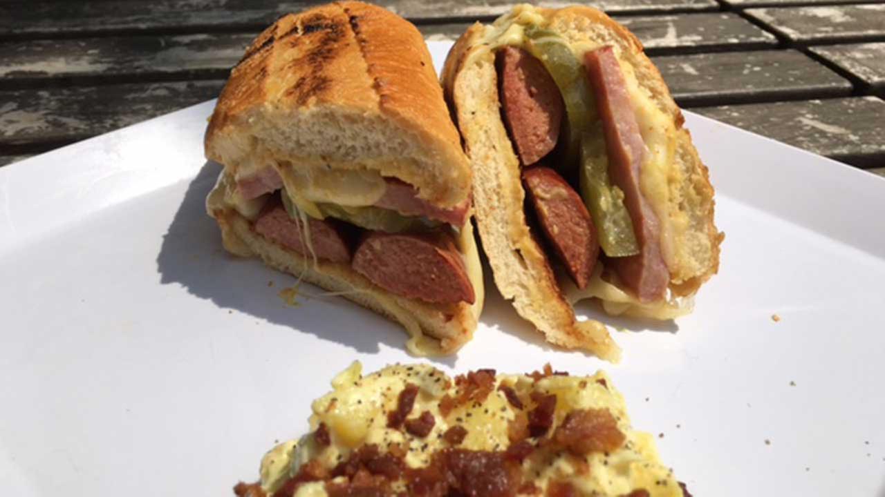 Ricky Ricardo Hot Dog at Happy Fatz, Cost: $8