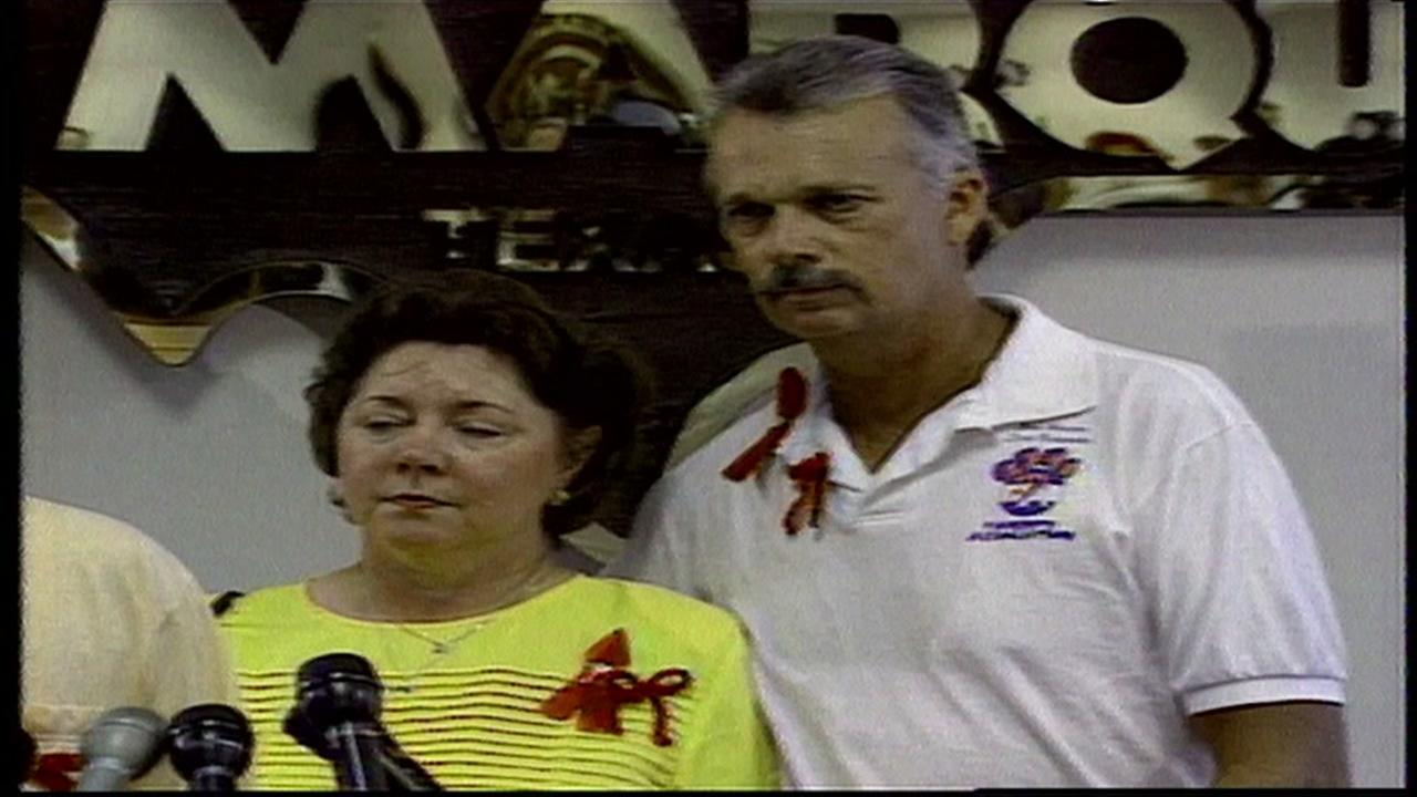 Jessica Cains parents at news conference about their missing daughter.