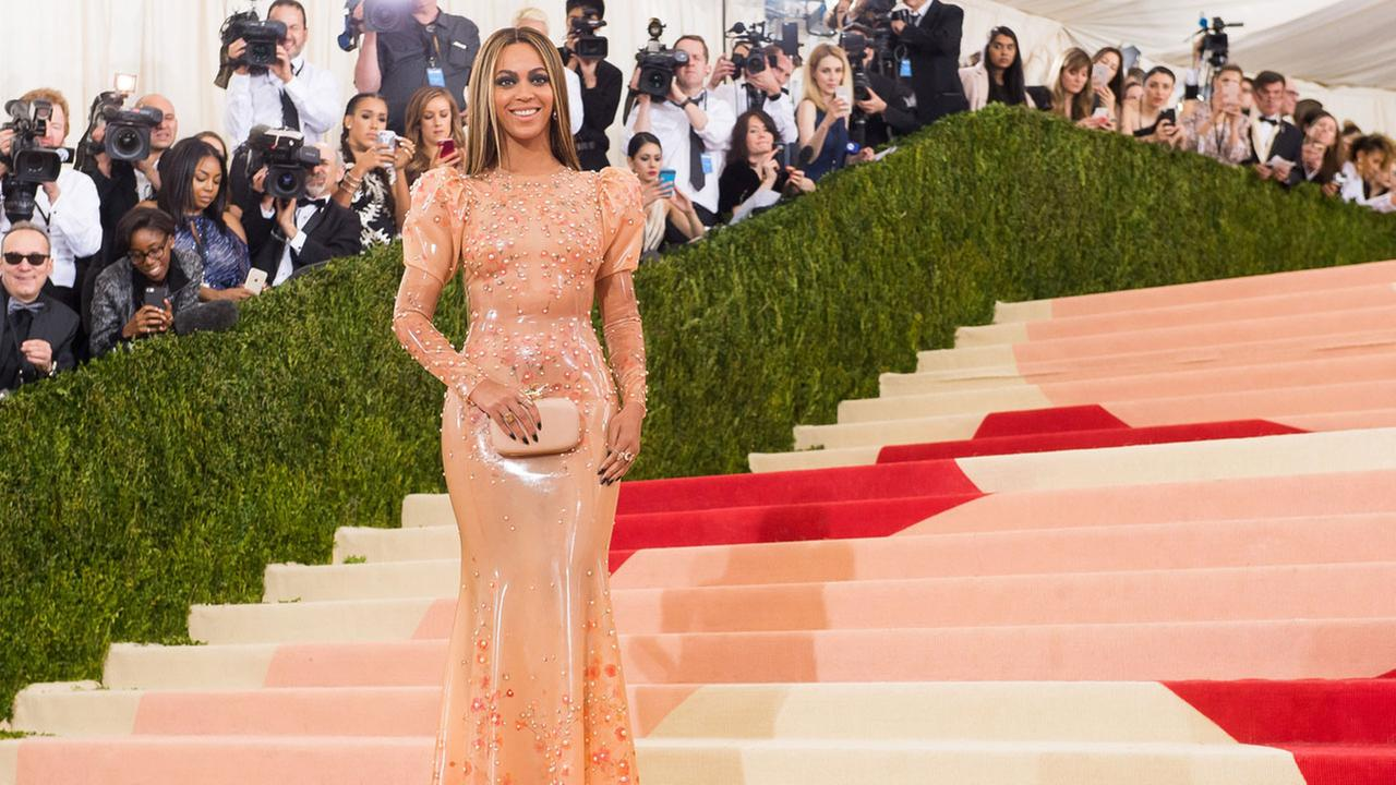 Beyonce arrives at The Metropolitan Museum of Art Costume Institute Benefit Gala in May 2016.