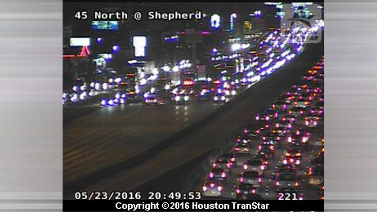 I-45 SB closed at N. Shepherd after accident