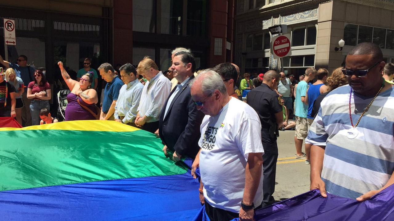 Pittsburgh Mayor Bill Peduto stands in solidarity during a march.@TheNextPGH/Twitter