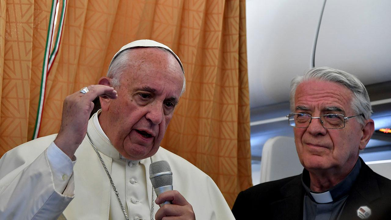 Pope Francis defends Islam from 'terrorist' label