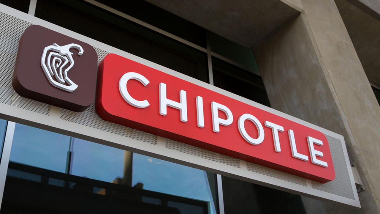 Chipotle adds chorizo, just in time for Taco Day | abc7chicago.com