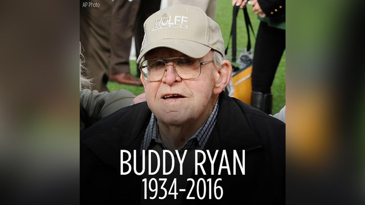 Former Houston Oilers coach Buddy Ryan dies at the age of 82