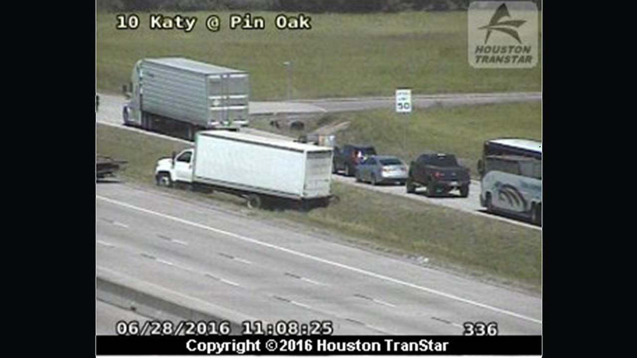 I-10 WB at Pin Oak partially re-opens after big rig wreck in Fort Bend Co.