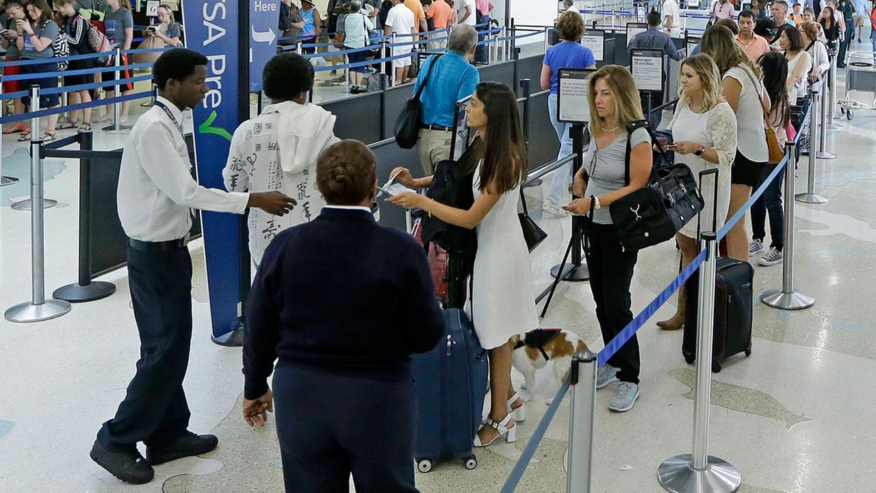 Cool or creepy? Houston airports now tracking phone signals to provide checkpoint data