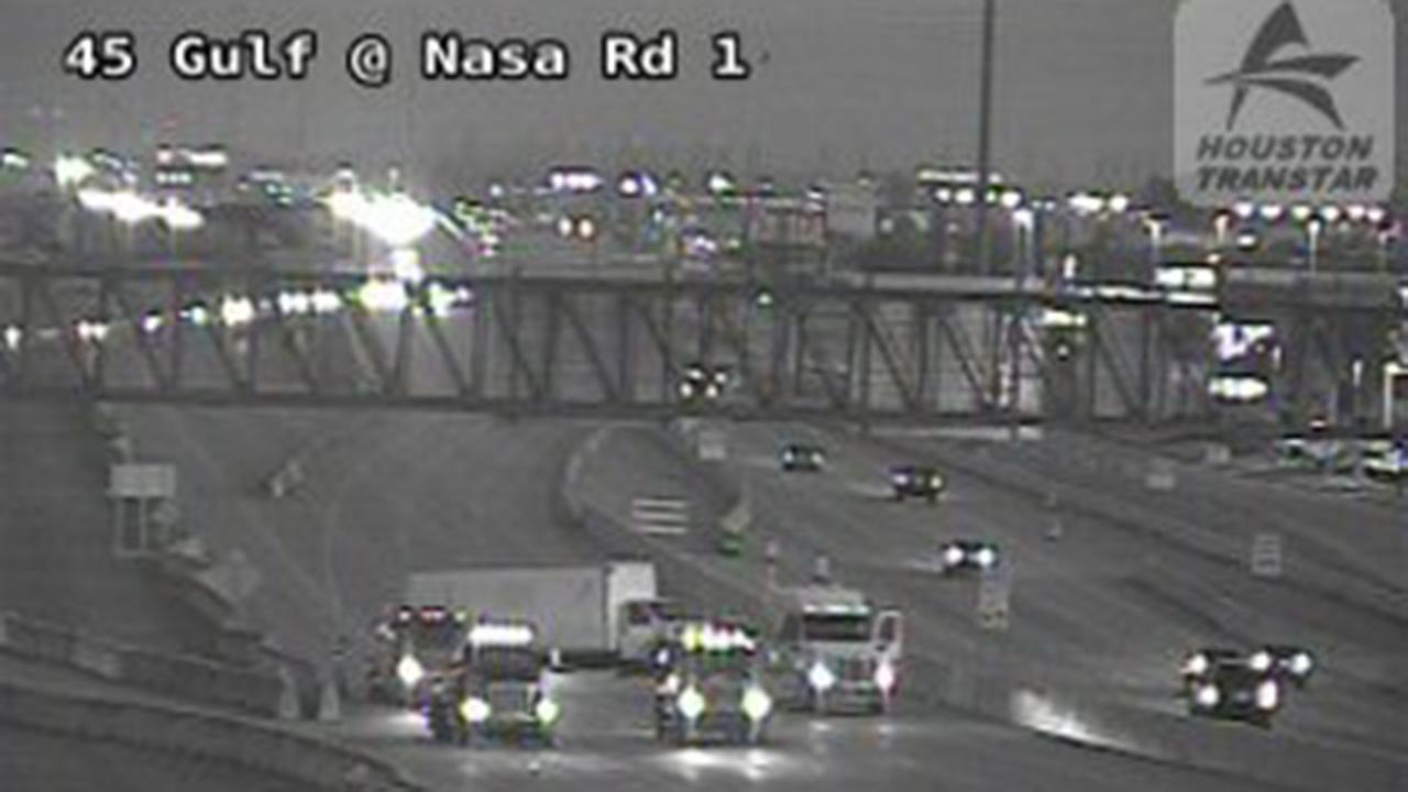 TRAFFIC UPDATE: All mainlanes are cleared after truck accident at Gulf Fwy SB at NASA Pkwy
