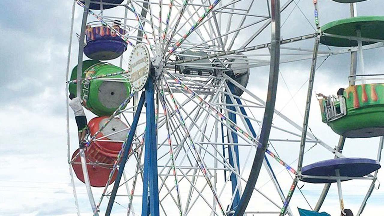 Girls Released from Hospital After Ferris Wheel Accident