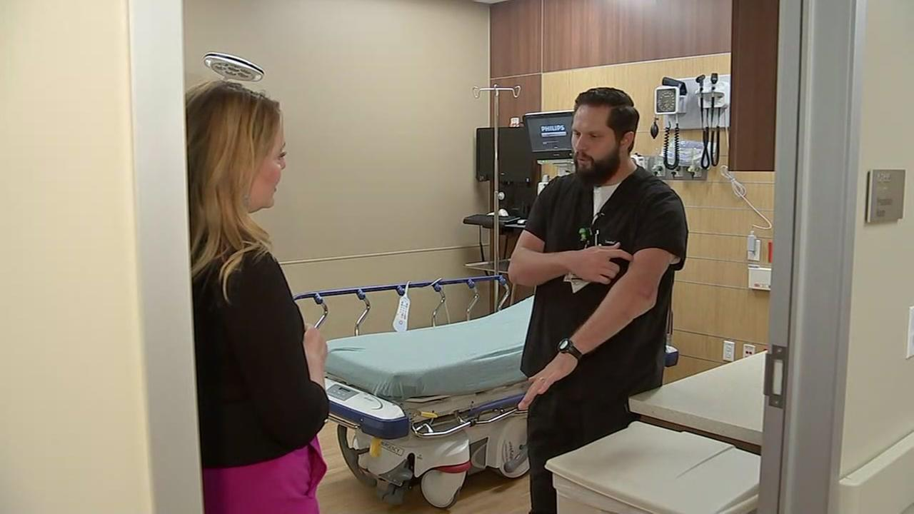 Man inspired to become an ER nurse after being treated by Dr. Red Duke