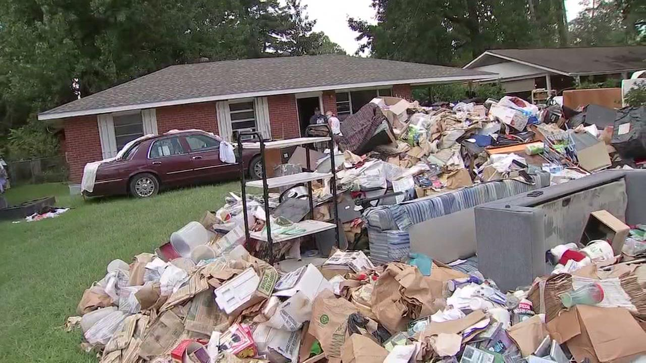 Flood victims begin to recover in Denham Springs, Louisiana