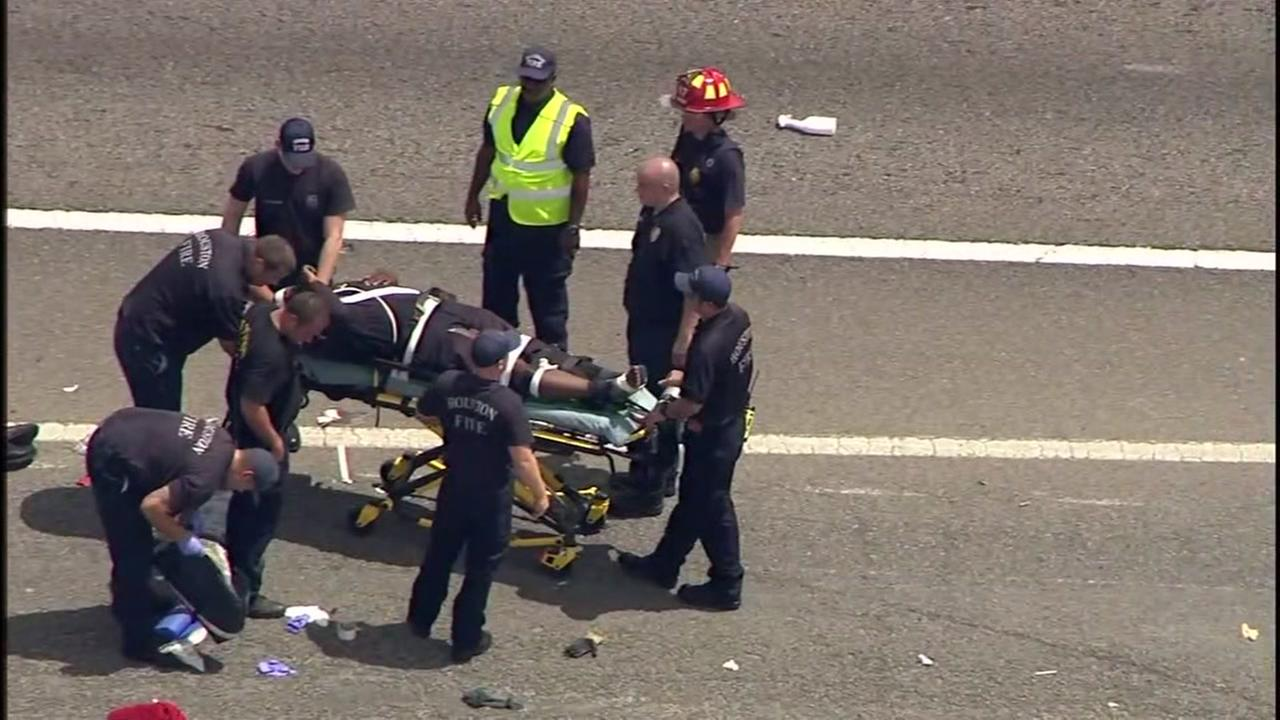 Fort Bend County deputy injured in a crash on 288 at Beltway 8