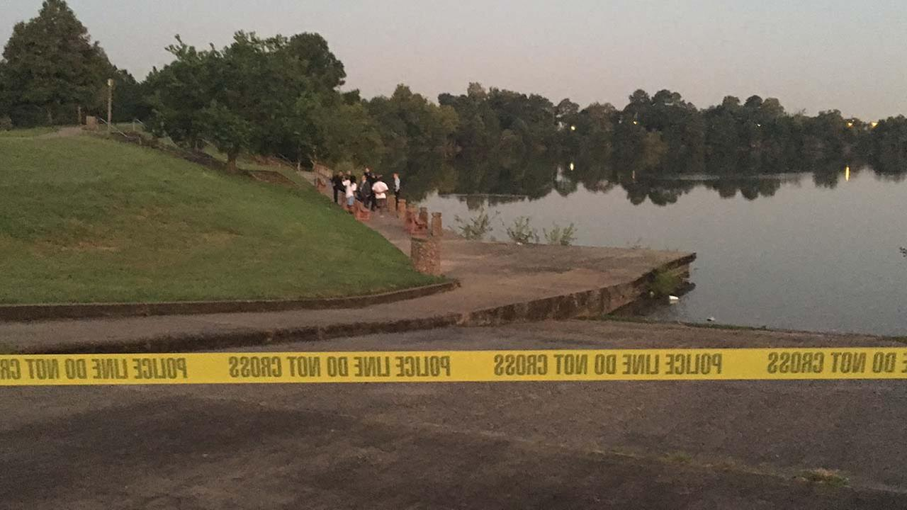Authorities identify body found in lake in SE Houston