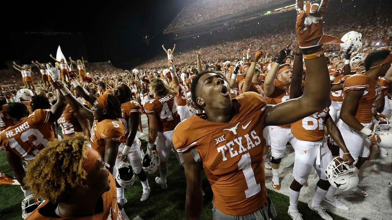 Texas defeated Notre Dame in double overtime, 50-47