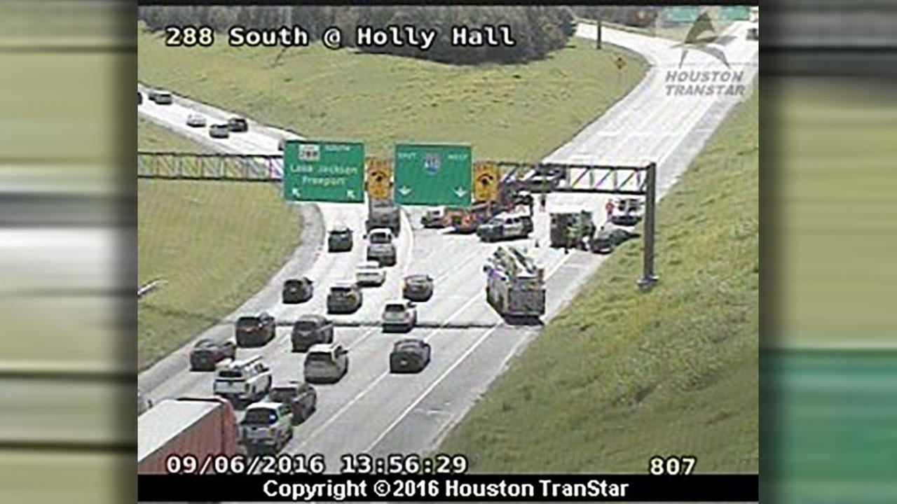 Wreck forces closure of South Loop ramp from Highway 288