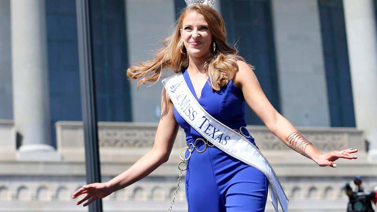 Miss Texas, Caroline Carothers waves as she is introduced during Miss America Pageant arrival ceremonies Tuesday, Aug. 30, 2016, in Atlantic City.AP