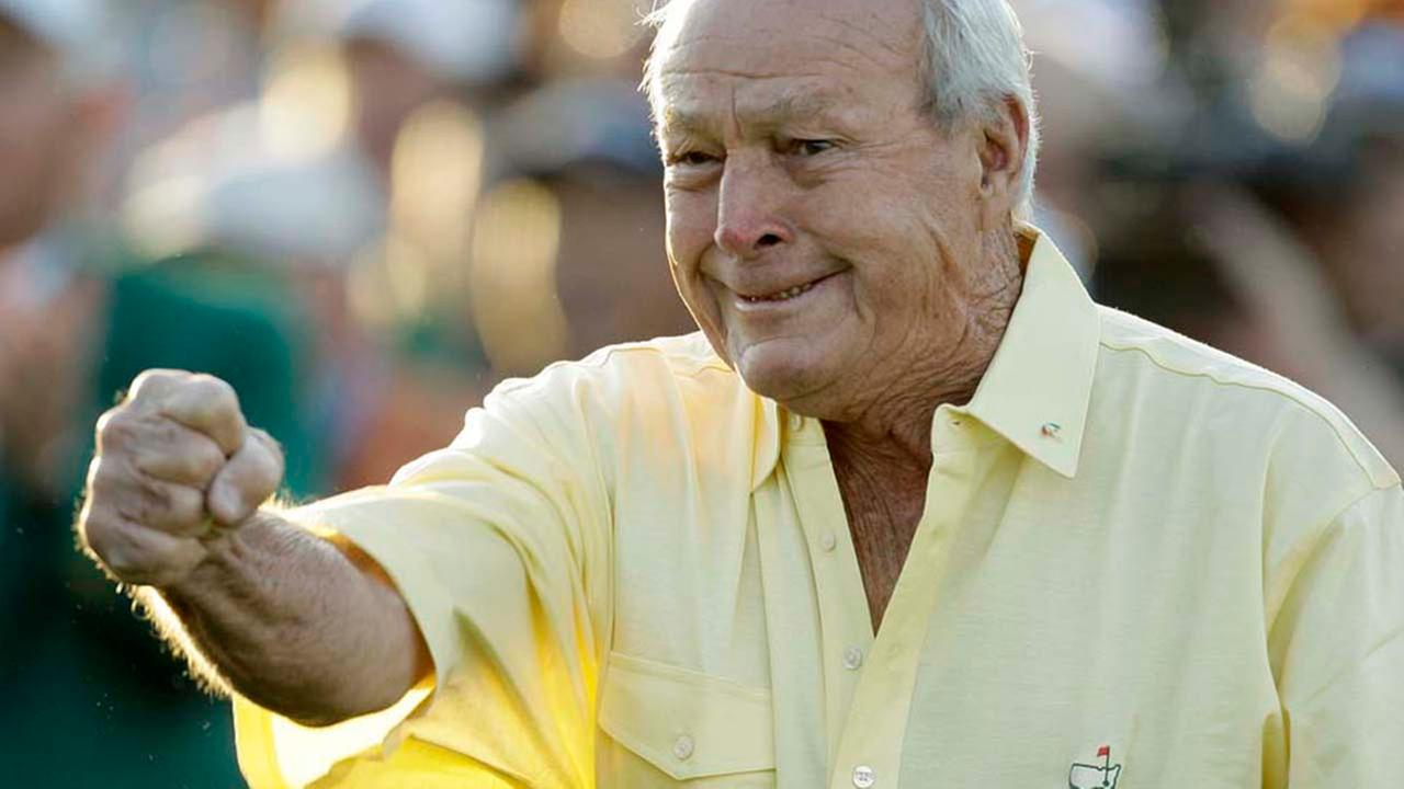 Former Masters champion and honorary starter Arnold Palmer reacts after his tee shot on the first hole before the first round of the Masters golf tournament in 2009.AP