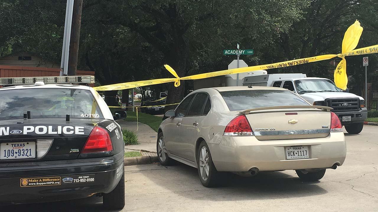 Lawyer injures 9 in Houston shooting ramage