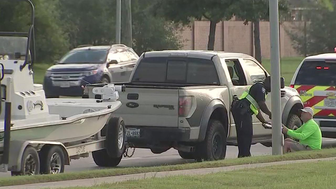 Jogger hit by boat trailer in Pearland has died