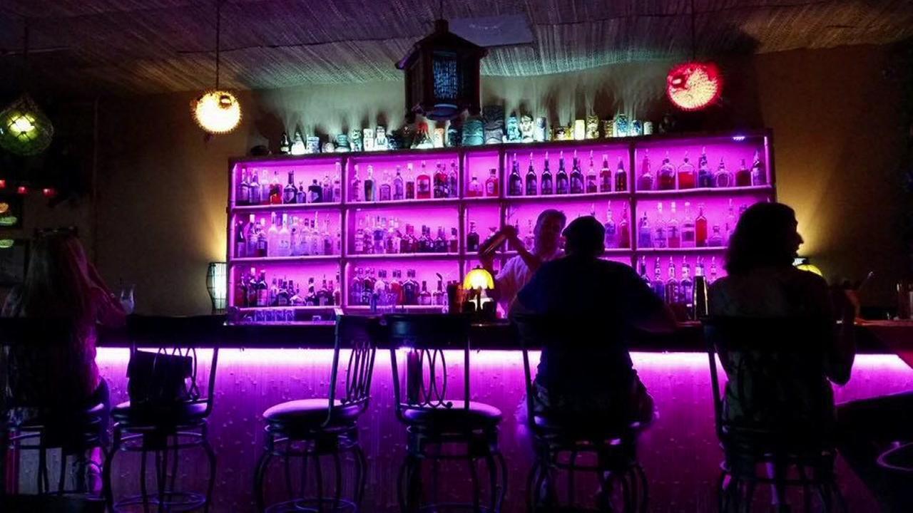 Howies Tiki Bar