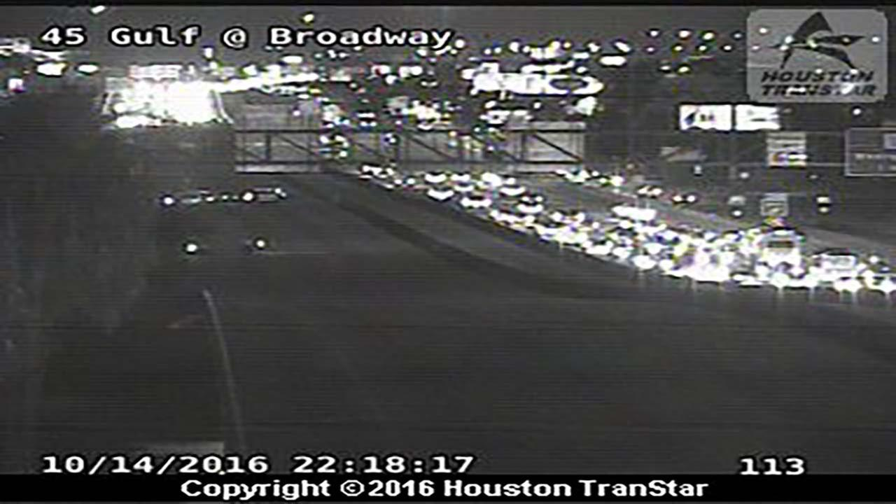Pedestrian hit, killed on Gulf Freeway at Broadway