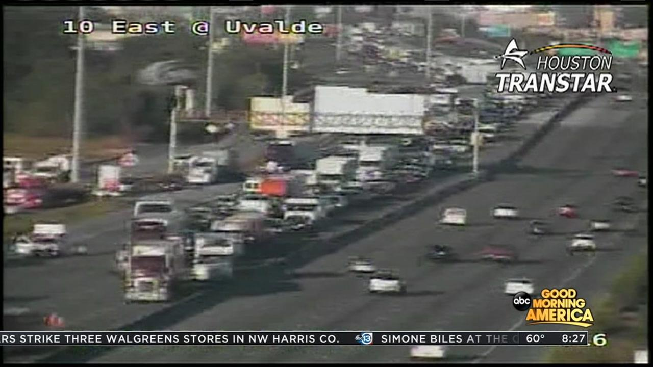Eastbound lanes reopen at I-10 and Market St. after accident shuts down lanes