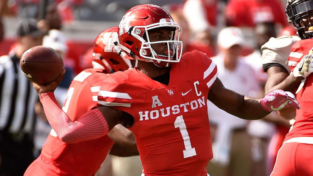 Houston quarterback Greg Ward Jr. throws a pass during the first half of an NCAA college football game against Central Florida, Saturday, Oct. 29, 2016, in Houston.AP Photo/Eric Christian Smith