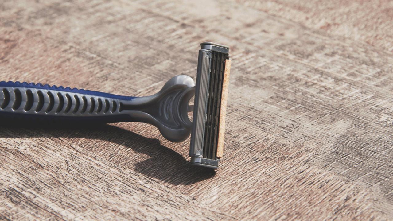 Shaving - razor blade
