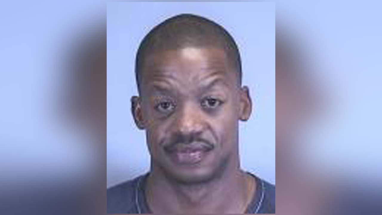 Steve Francis booked into Florida jail on burglary charge