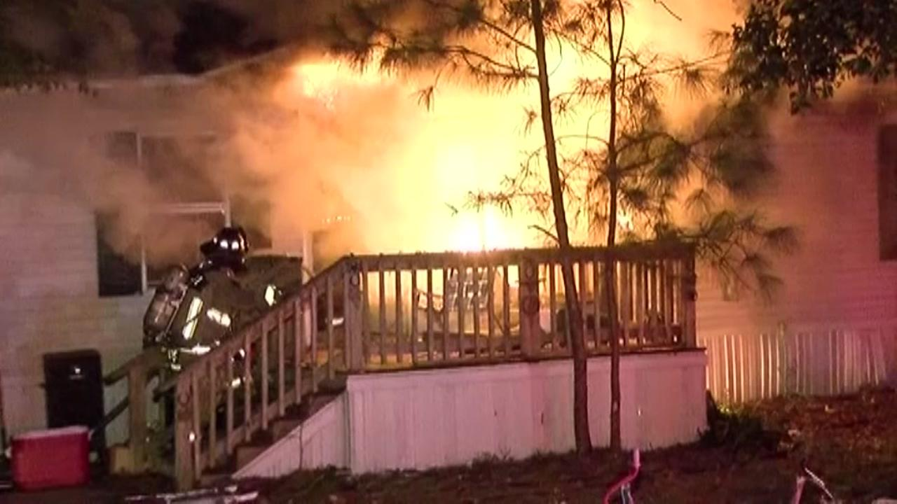 9 people escape mobile home fire in Montgomery County