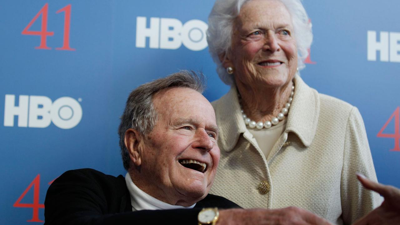 Former president george h w bush and his wife former first lady