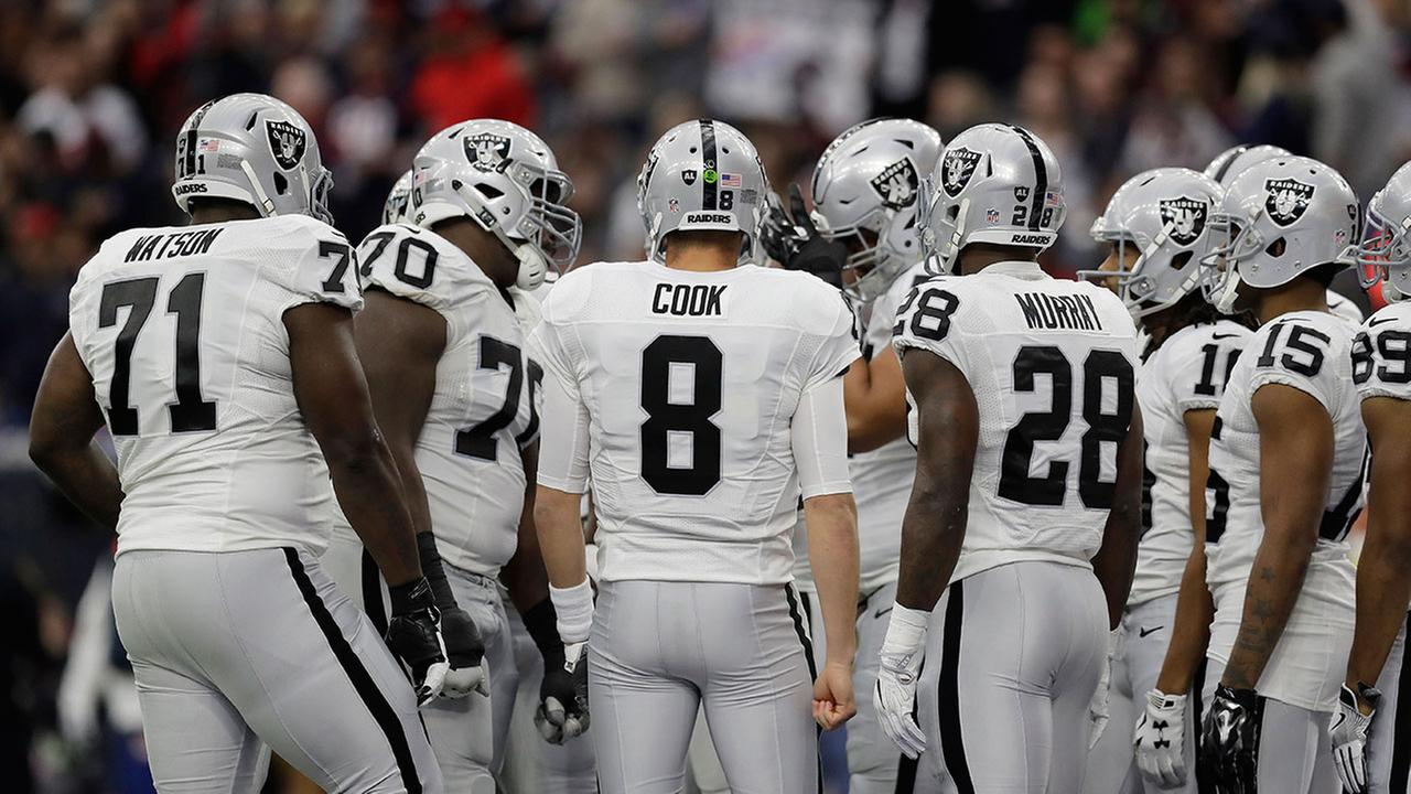 Oakland Raiders file paperwork to relocate to Las Vegas