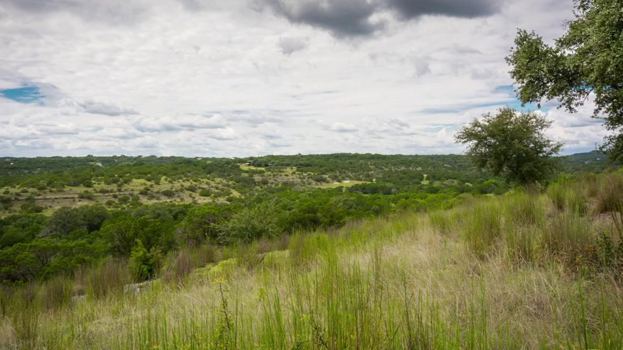 Beautiful Hill Country ranch (DMTX Realty)
