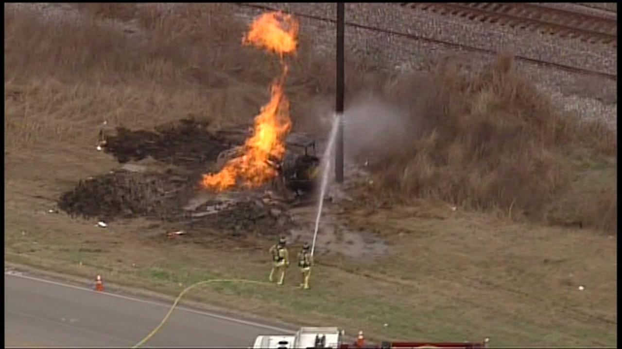 Highway in Rosenberg reopens after a fire, gas leak