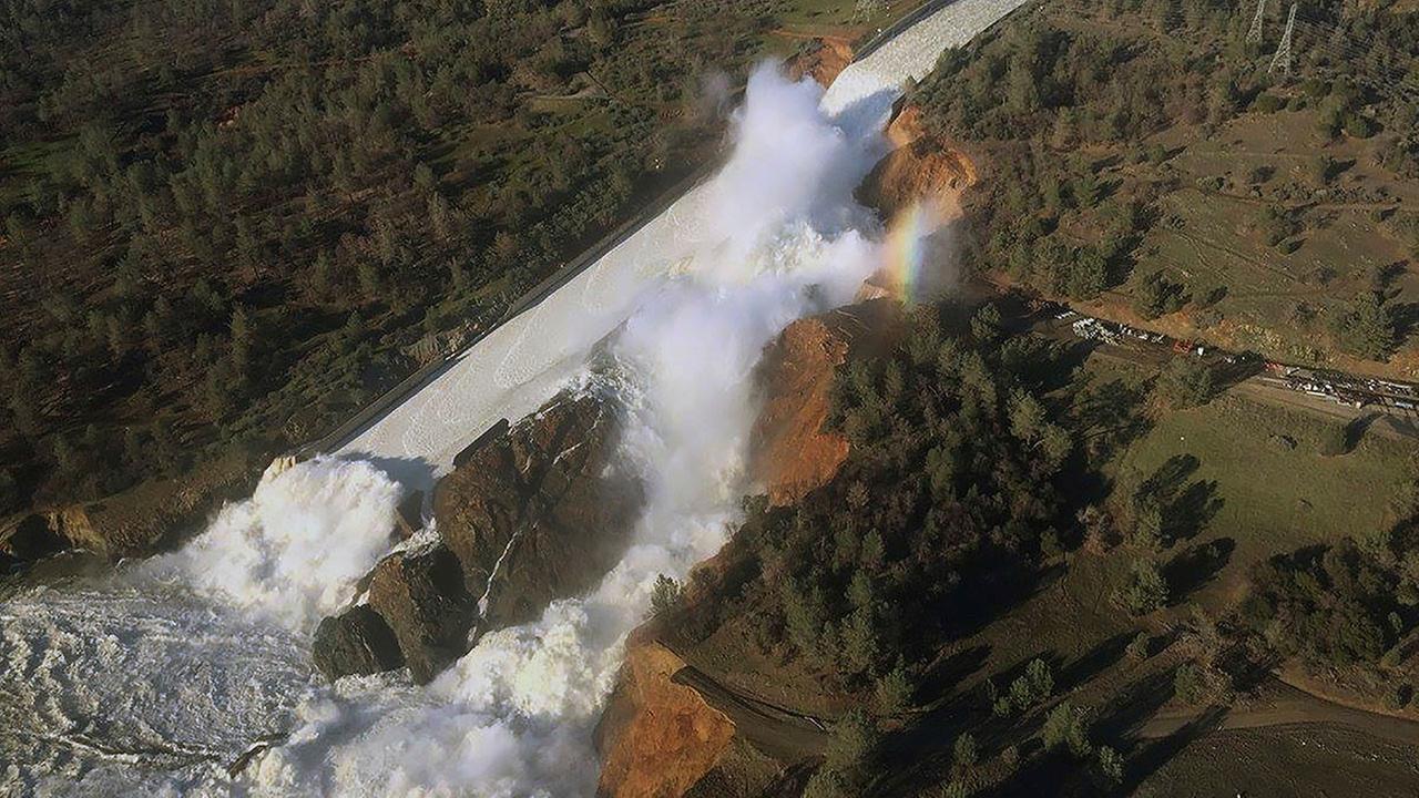 Nearly 200,000 remain under evacuation near California dam