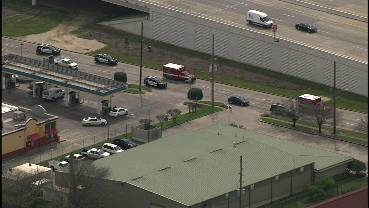Two officers injured in southwest Houston shooting