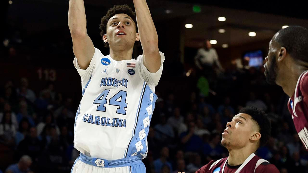 North Carolinas Justin Jackson (44) shoots over Texas Southerns Zach Lofton (2) during the first half. (AP Photo/Rainier Ehrhardt)AP