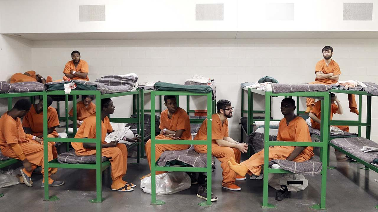 Empty jails hope to cash in on illegal immigration crackdown