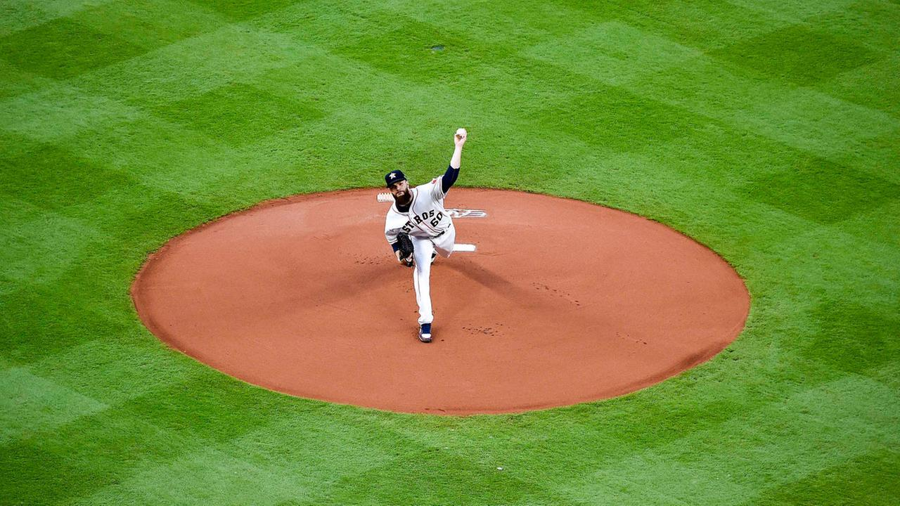 Houston Astros starting pitcher Dallas Keuchel delivers in the first inning of a baseball game against the Seattle Mariners, Monday, April 3, 2017, in Houston.AP Photo/Eric Christian Smith