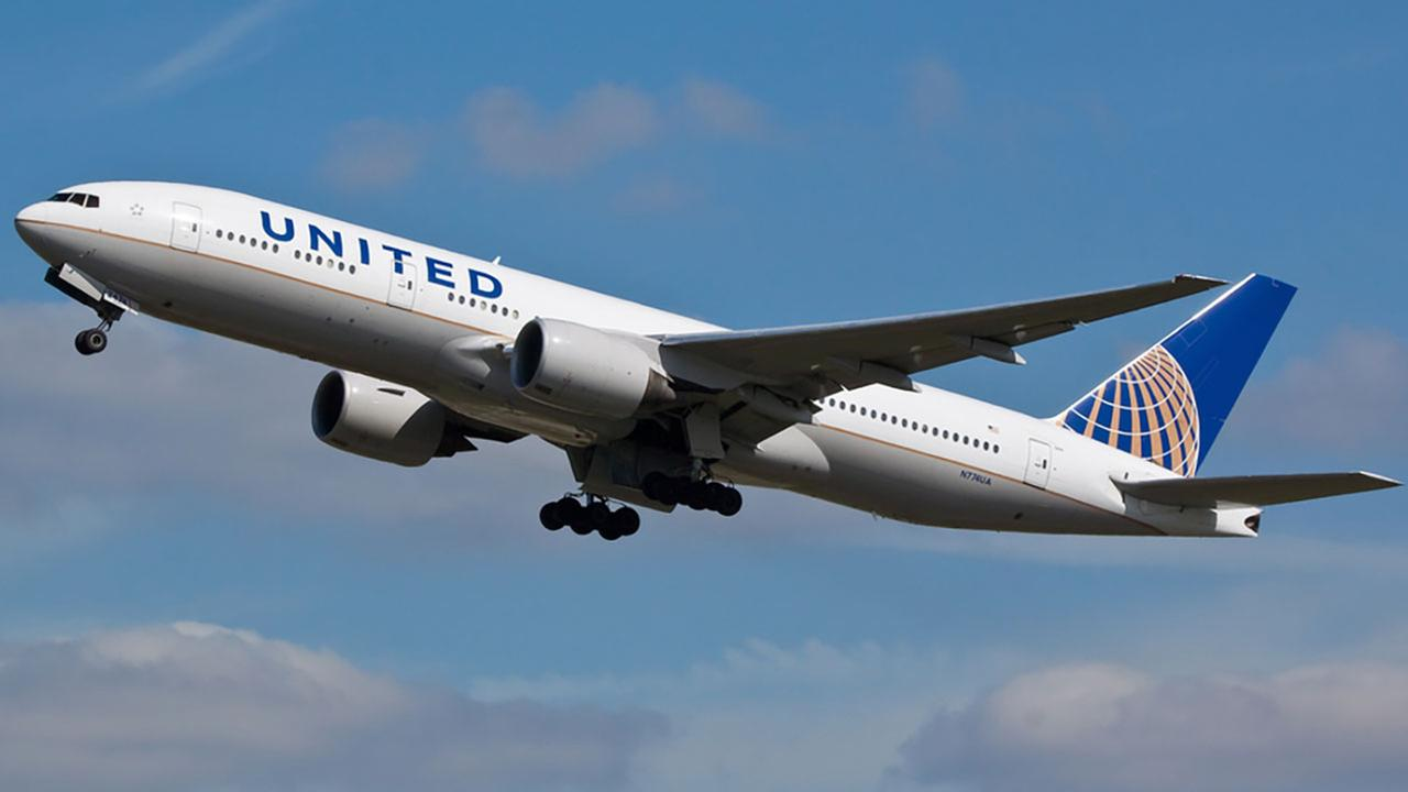 Couple flying to Costa Rica to get married kicked off United flight