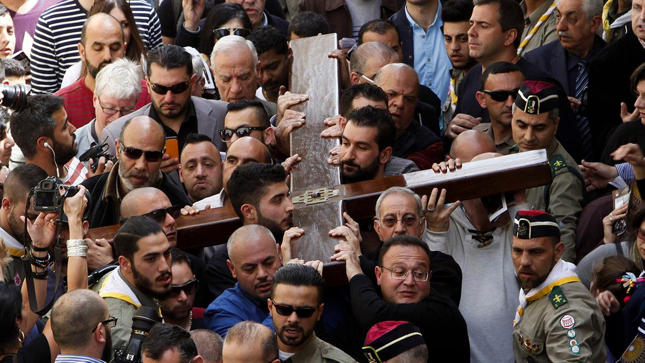Thousands trace Jesus footsteps on Good Friday in Jerusalem