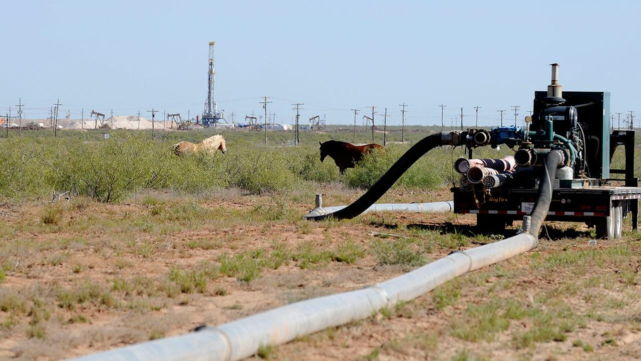 hydraulic fracturing drill site