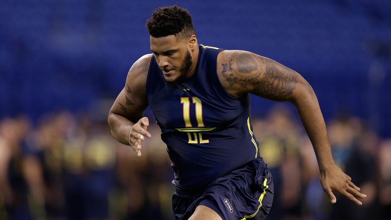 Bucknell offensive lineman JulieN Davenport runs a drill at the NFL football scouting combine in Indianapolis, Friday, March 3, 2017.