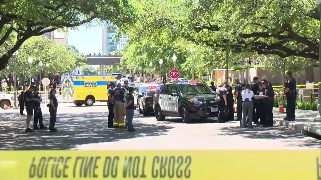 1 dead in University of Texas campus stabbings; 3 others hurt