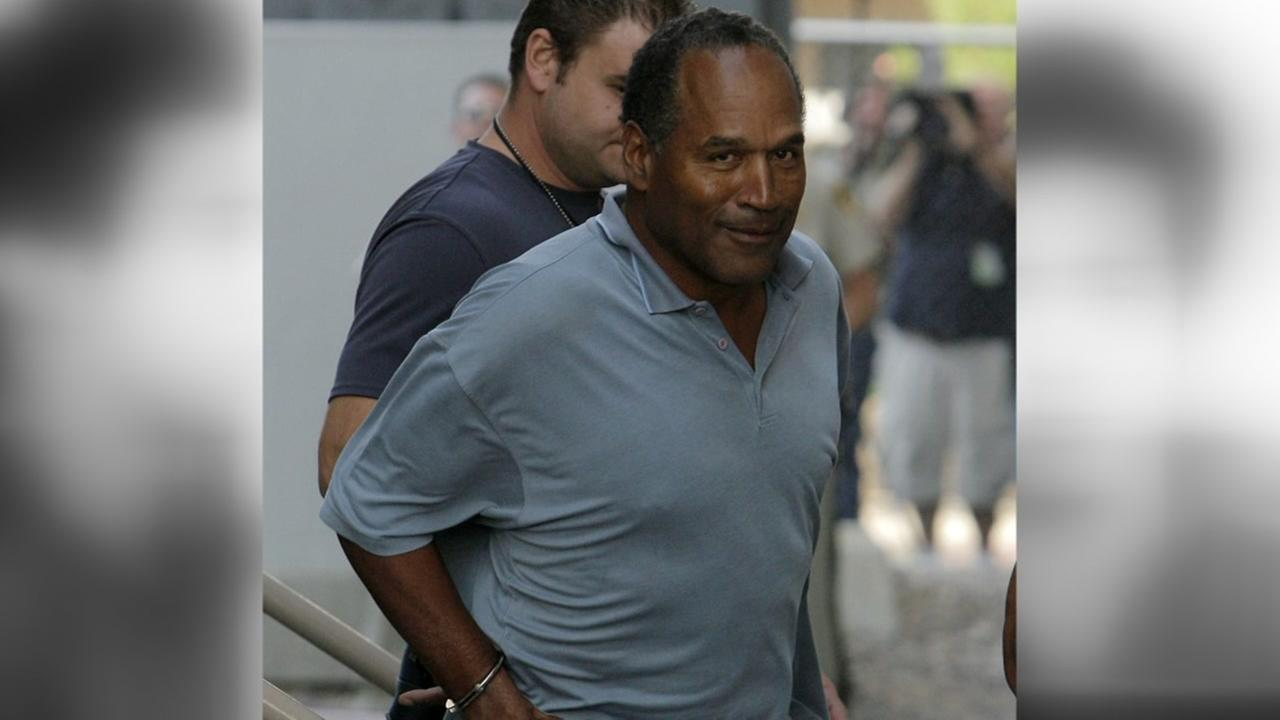 O.J. Simpson is transferred to the Clark County Detention Center in Las Vegas, in Sept. 16, 2007 after being arrested in connection with an alleged armed robbery in Las Vegas.