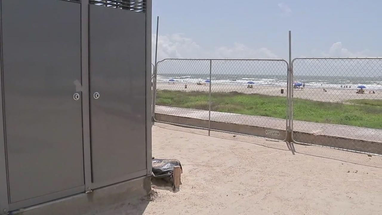 New bathrooms for Galveston seawall