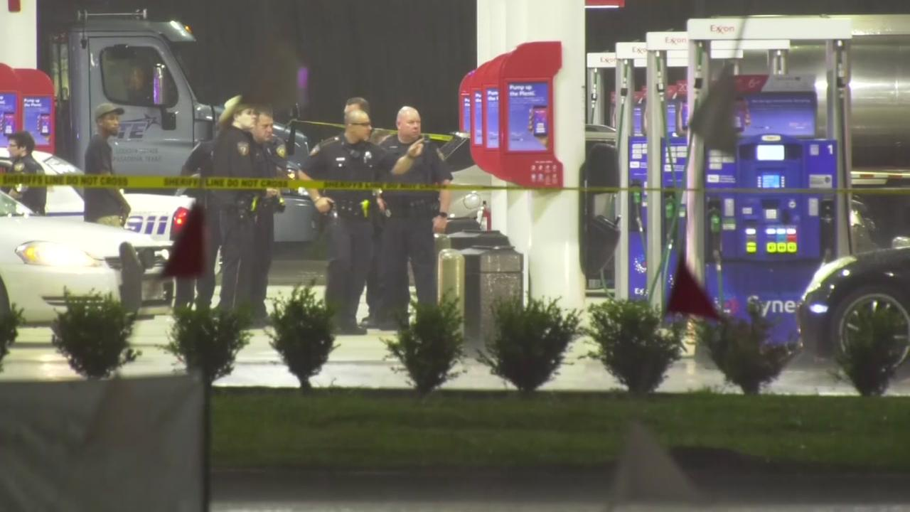 Police investigate deadly shooting in northwest Harris Co.