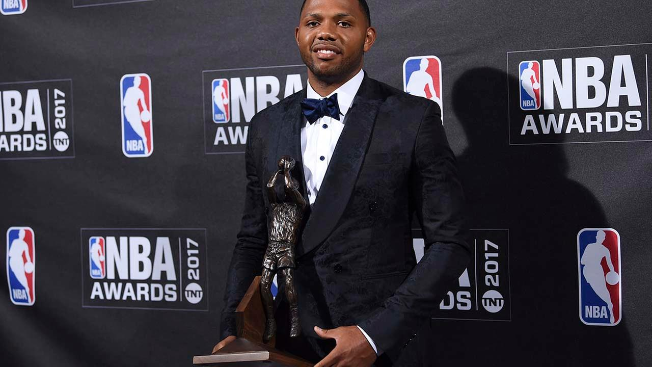 Kia NBA Sixth Man Award winner Eric Gordon poses in the press room at the 2017 NBA Awards at Basketball City at Pier 36 on Monday, June 26. (Photo by Evan Agostini/Invision/AP)Evan Agostini/Invision/AP