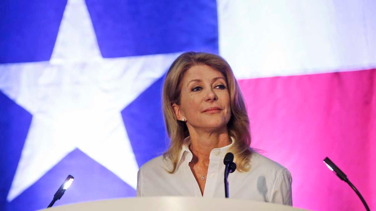 Texas gubernatorial hopeful and state Sen. Wendy Davis pauses while speaking at the Lady Bird Johnson Breakfast Fundraiser in Dallas
