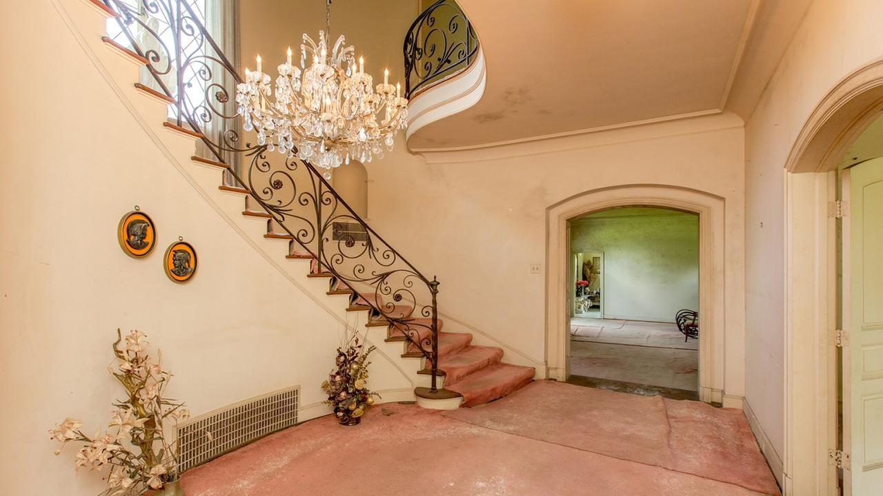 Historic mansion for sale
